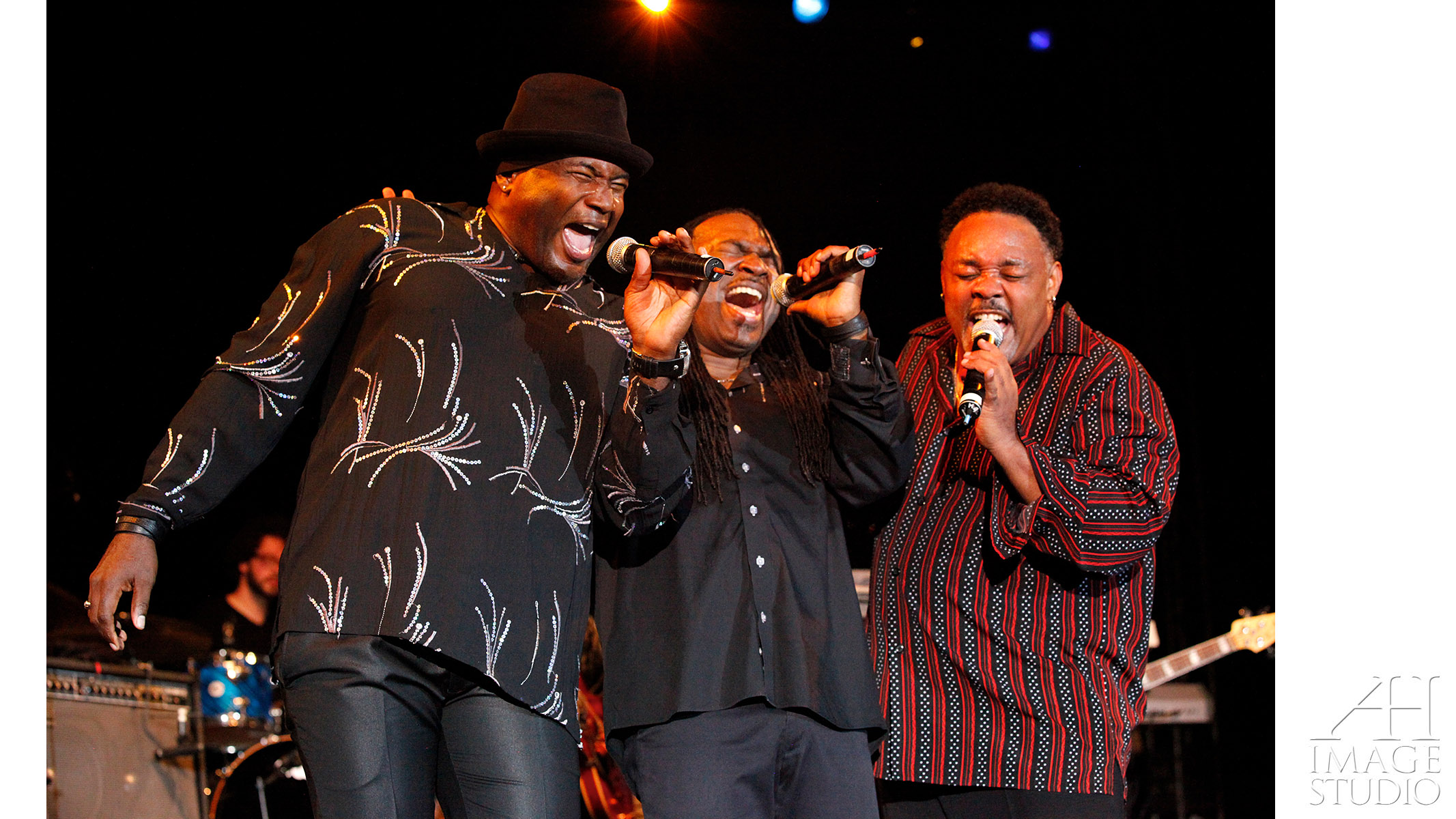 Earth Wind & Fire musicians celebrities photography concert Philip Bailey Maurice White Ralph Johnson